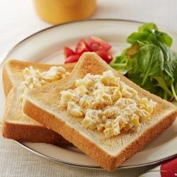 秋の味覚の朝食プレート