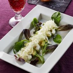 アボカドと玉ねぎのサラダ