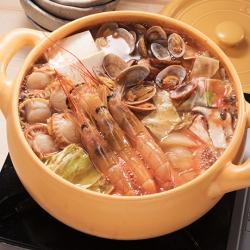 えびとほたてのトマト生姜鍋