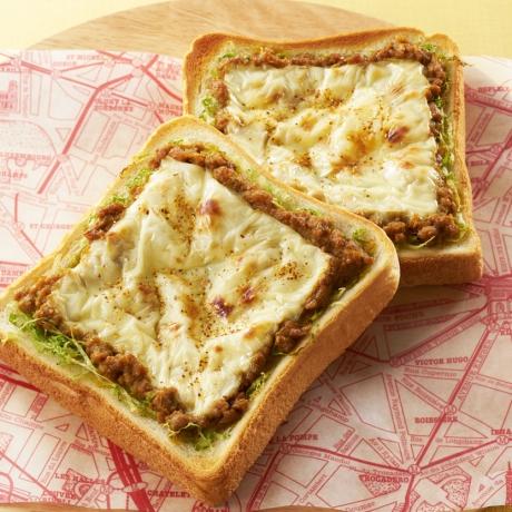 肉味噌カレーチーズトースト