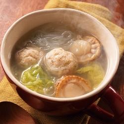 生姜たっぷり鶏団子とほたてのぽかぽかスープ
