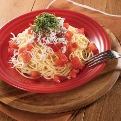 トマトとしらすの冷たいパスタ