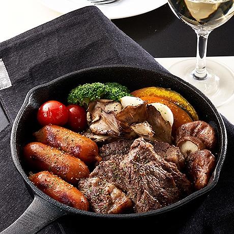 牛ステーキと彩り野菜のハーブ焼き