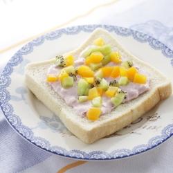 フルーツチーズサンド