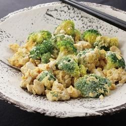 ブロッコリーと豆腐の炒めもの