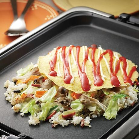 カット野菜で作る簡単オムチャーハン