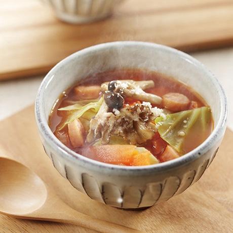 カット野菜で作る簡単具だくさんスープ