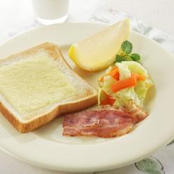 チーズパン朝食