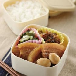 豚バラ肉の醤油煮弁当