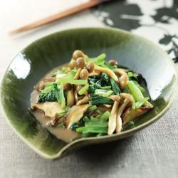 きのこと小松菜の和え物