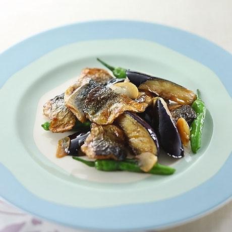 秋刀魚となすの炒め物