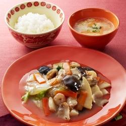 創味シャンタンDELUXEで八宝菜と卵スープ