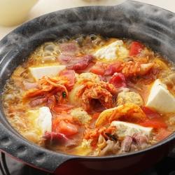 キムチトマトチゲ鍋