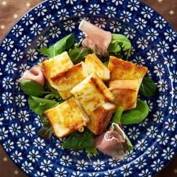 チーズガレット風onサラダ
