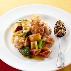 鶏肉とさつま芋とれんこんの黒酢炒め