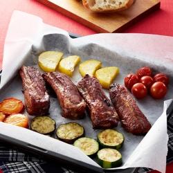 スペアリブと夏野菜のオーブン焼き