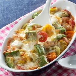 トマトとアボカドのとろとろチーズ焼き