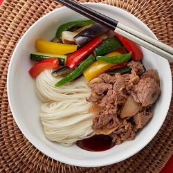 夏野菜のプルコギ麺