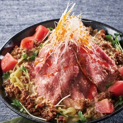「山の日」ローストビーフ冷やし担々麺