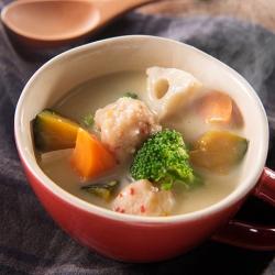 豆乳味噌のヘルシーつみれスープ