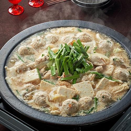たっぷり豆腐のごま味噌鶏鍋