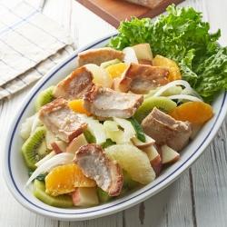 彩りフルーツマリネのポークサラダ