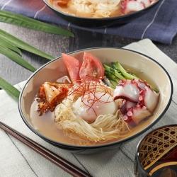 たことトマトの韓国冷麺風そうめん