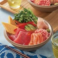 夏野菜のカラフル海鮮丼