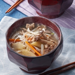 秋野菜の豚汁