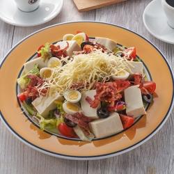 豆腐とチーズのモーニングサラダ