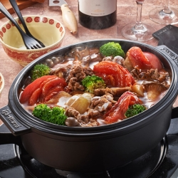 牛肉ときのこのトマト鍋