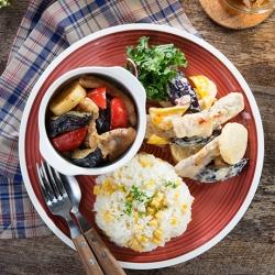 豚と彩野菜のマヨ照り焼き&マヨチリ炒めプレート