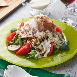 カリカリ豚ときのこのシーザーサラダ